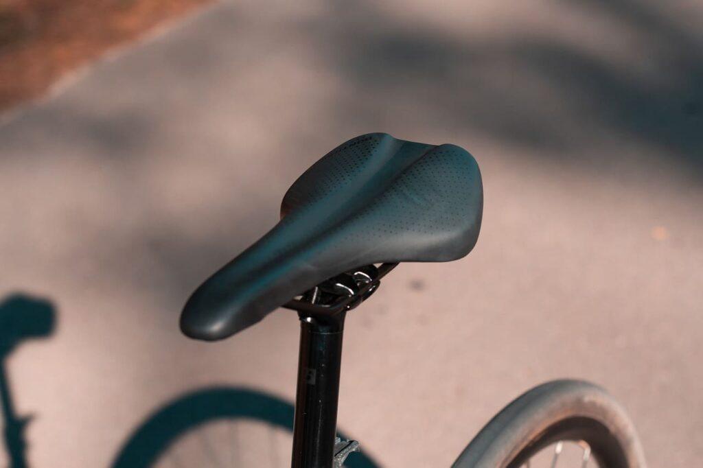Sillín para bicicleta gris