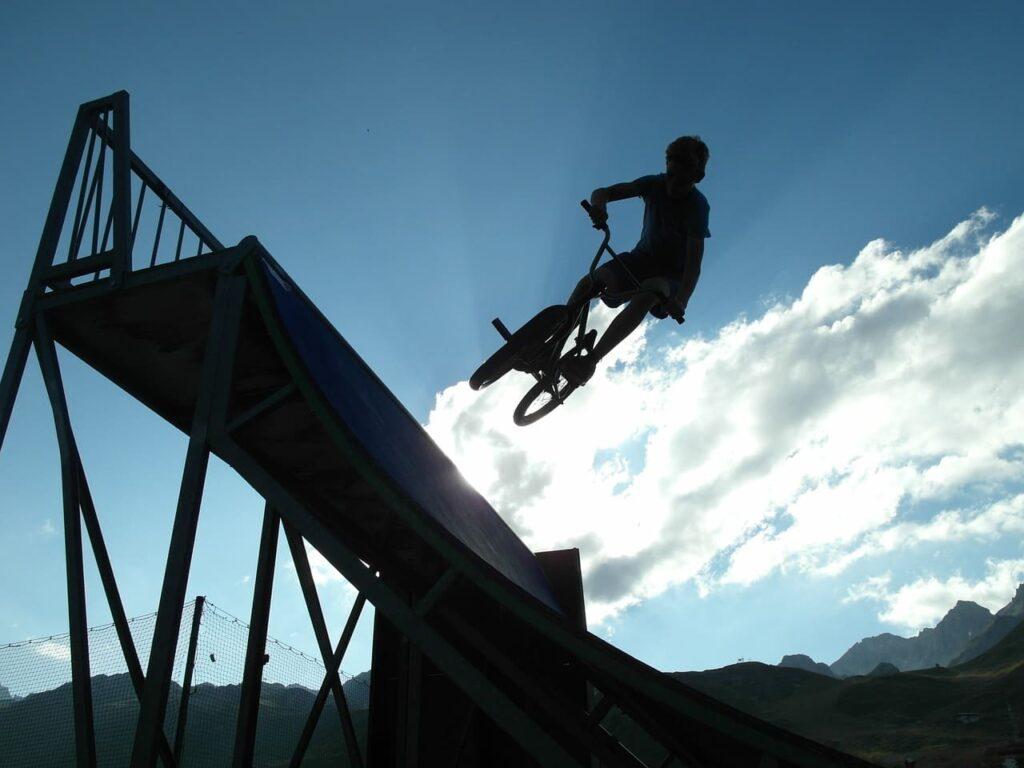 Biccileta BMX rampa