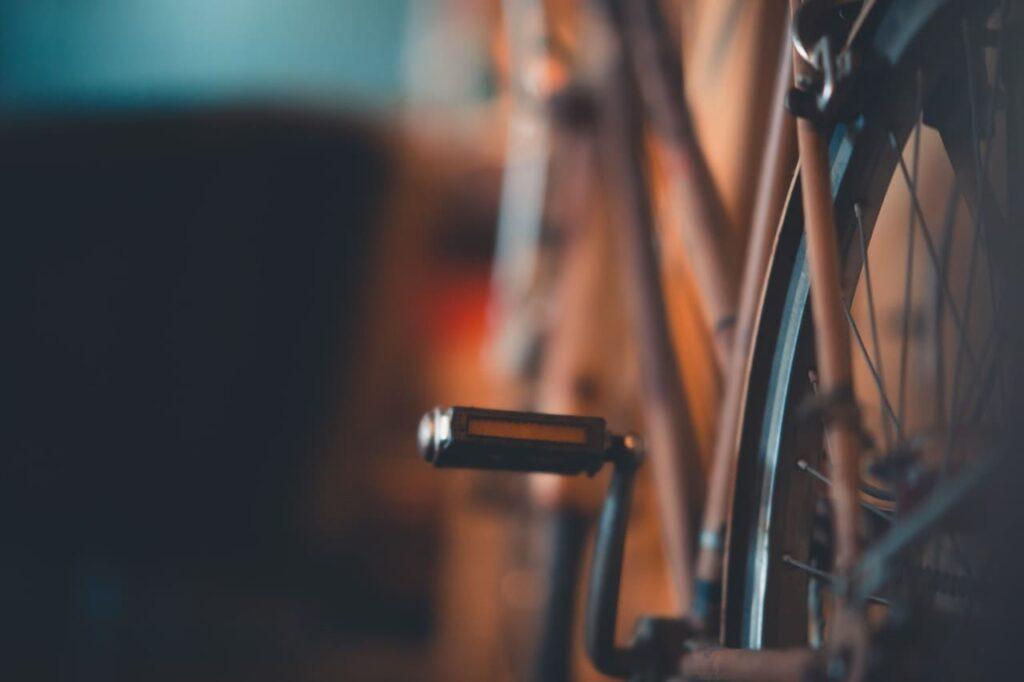 Pedales para bicicleta con reflector