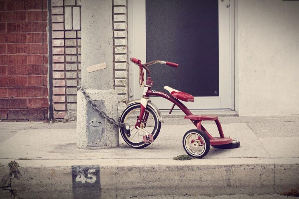 Triciclo para niños rojo