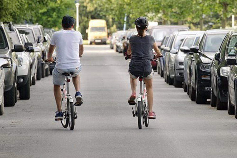 Bicicleta y transporte ecológico en la ciudad