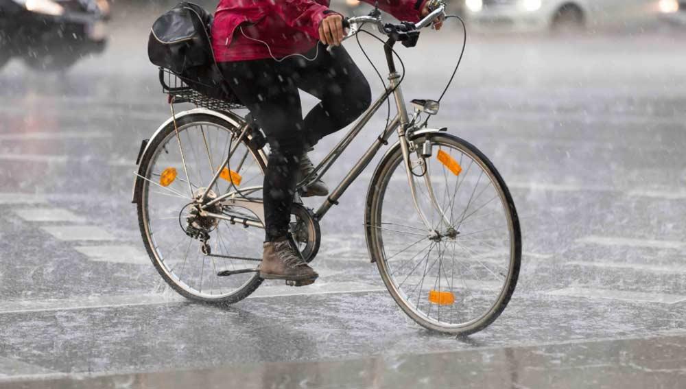 Ir a trabajar en bici con lluvia